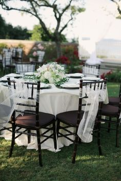 Dark Chivari chairs I love the small tables look. More intimate. Chivari Chairs Wedding, Wedding Reception Chairs, Chiavari Chairs, Wedding Chair Decorations, Wedding Table Settings, Reception Table Design, Black Napkins, Chair Photography, Pedicure Chairs For Sale