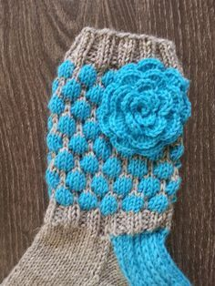 Knitting Socks, Knit Socks, Baby Socks, Boot Cuffs, Crochet Yarn, Mittens, Knitting Patterns, Winter Hats, Elsa
