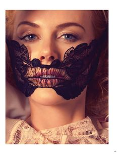 lace - M: Nicole Kidman, P: Camilla Akrans, S: Nicola Knels (Vogue Germany August 2013)
