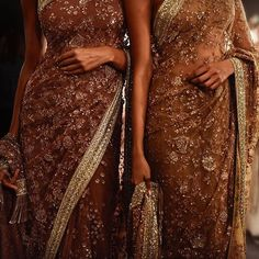 Perfect Bridal Saree Collection for Newlyweds! Strapless Dress Formal, Formal Dresses, Short Dresses, Indian Couture, India Fashion, Ethnic Fashion, Hijab Fashion, Fashion Clothes, Women's Fashion