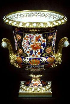 1835 A Rare Monumental Worcester Barr & Barr Canpana Form Vase 16 1/2 high
