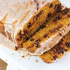 Chocolate Chip Pumpkin Loaf - so moist and delicious, with a spiced glaze drizzled over the top. Best pumpkin bread ever! Hot Wassail Recipe, Posole Verde Recipe, Baked Avocado Fries, Pumpkin Loaf, Peasant Bread, Garlic Butter Chicken, Easy Meals, Easy Recipes, Skewer Recipes