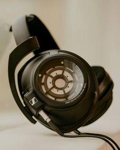 Sennheiser HD 820 Headphones | The Coolector