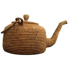 Vintage 1900's Woven Eskimo Teapot ($275) ❤ liked on Polyvore featuring home, kitchen & dining, teapots, coffee & tea service, vintage teapots, vintage tea pots, tea-pot and tea pot