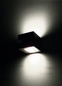 Cubo Biemissione | Mario Nanni for Viabizzuno-For m, 2009