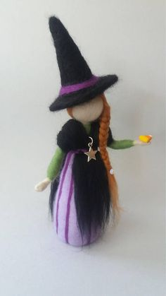 "Waldorf inspired needle felted witch doll ""Belladonna""by Noelia Marin. Halloween Doll, Halloween Crafts, Needle Felting Tutorials, Wool Art, Felted Slippers, Fairy Dolls, Wet Felting, Felt Dolls, Soft Sculpture"