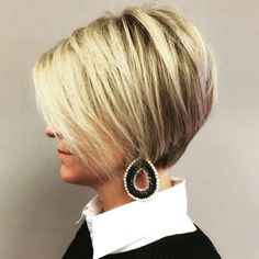 Everyday Hairstyles Wispy Short Bob With Side-Swept Bangs.Everyday Hairstyles Wispy Short Bob With Side-Swept Bangs Everyday Hairstyles Wispy Short Bob With Side-Swept Bangs.Everyday Hairstyles Wispy Short Bob With Side-Swept Bangs Bob Hairstyles For Fine Hair, Short Bob Haircuts, Short Hairstyles For Women, Cool Hairstyles, Formal Hairstyles, Hairstyle Men, Wedding Hairstyles, Haircut Short, Hairstyle Ideas