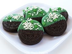 oreos dipped in green chocolate melts & sprinkles ~ snack ♥ for st.patrick's day ~ photo inspiration