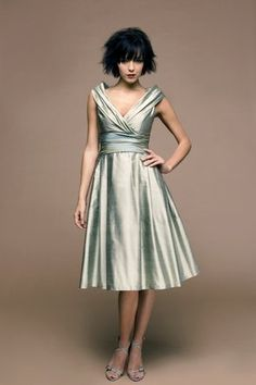 Gorgeous bridesmaid dress, also available with slim skirt. Vivien Leigh gown by Siri
