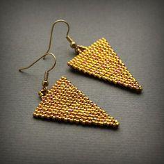 Gold triangle earrings Geometric earrings Minimalist earrings Golden dangle earrings Modern earrings Long earrings Seed bead earrings