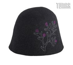 Cloche (unlined). Felt: 100% wool.  Machine assembly. Tambour embroidery.