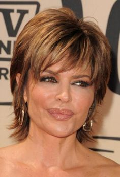 I always seem to love Lisa Rinna's hair.
