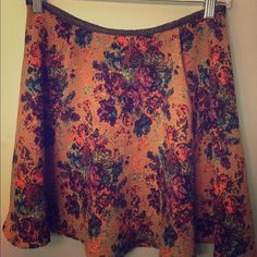 Gorgeous Floral Skirt w Leather Trim Very cute and comfortable! A staple for fall. Skirts Mini