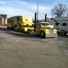 Anything works to pull ur wheel camper Kenworth Trucks, Mack Trucks, Big Rig Trucks, Cool Trucks, Semi Trucks, Peterbilt, 5th Wheel Trailers, 5th Wheel Camper, Fifth Wheel Campers