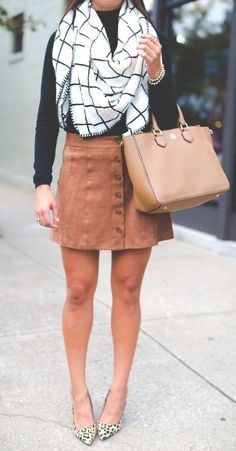 / scarf + suede skirt-rather have a non patterned shoe with this outfit Style Casual, Casual Outfits, Cute Outfits, Fall Skirt Outfits, Classy Outfits, Winter Trends, Fall Winter Outfits, Autumn Winter Fashion, Fall Fashion