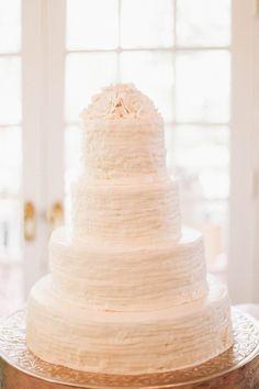 simple white cake   Feather & Twine #wedding