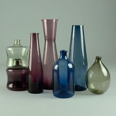 Seven i-glass decanters by Timo Sarpaneva for Iittala - Freeforms Grey Glass, Modern Glass, Nordic Design, Marimekko, Midcentury Modern, Glass Jars, Scandinavian, Plating, Tableware