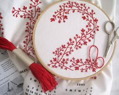 embroidery ::: Love the redwork in this. Often redwork is used for quilting. Embroidery Designs, Diy Embroidery Kit, Towel Embroidery, Basic Embroidery Stitches, Embroidery For Beginners, Embroidery Applique, Cross Stitch Embroidery, Simple Embroidery, Floral Embroidery