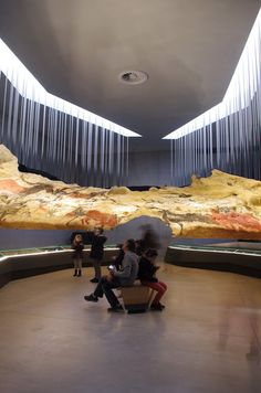 in south western france, the collaborative team of snøhetta and casson mann has completed 'lascaux IV', the international centre for cave art. Museum Architecture, Organic Architecture, Commercial Architecture, Amazing Architecture, Museum Exhibition Design, Design Museum, Carlo Scarpa, Lascaux, Interactive Exhibition