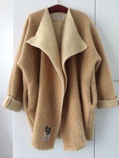 Handmade dekenjas jas made of a beige blanket,  size L - XL door MORETHANVINTAGENL op Etsy