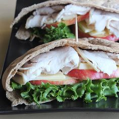 15 Healthy Sandwiches for lunch -- Turkey and Apple Pita Pocket Quick Healthy Lunch, Healthy Snacks, Healthy Weight, Clean Eating Diet, Healthy Eating, Eating Habits, Lunch Saludable, Healthy Sandwiches, Lunch Sandwiches