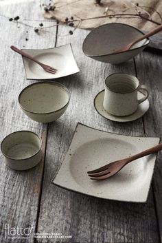 This type of pottery plates is certainly a formidable design philosophy.