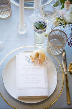 Wedding table decor + fortune cookies | Wedding Chicks