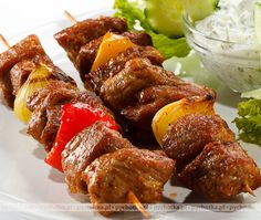 Tandoori scion on kebab trail Indian Food Recipes, Asian Recipes, Ethnic Recipes, Chicken Tikka, Tandoori Chicken, Tikka Recipe, Low Sodium Soy Sauce, Tzatziki, Kraut