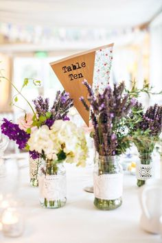 Lovely table decorations with lavender flowers.