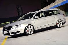 Golf Tips Left Handers Vw Wagon, Wagon Cars, Vw Cars, Volkswagen Golf Variant, Car Volkswagen, Vw Passat, Carros Vw, Bmw Sports Car, Passat Variant