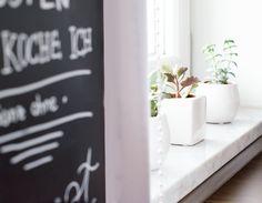 Kitchen Interior Scandinavian Nordic DIY Blackboard Paint Tafelfarbe Plants Sukkulenten