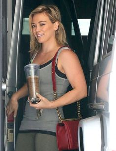 Hilary Duff - Hilary Duff Goes to the Gym