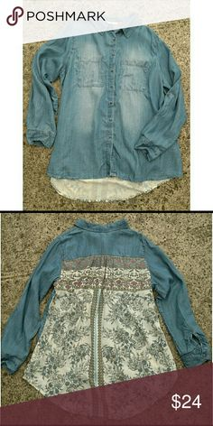 NWT Hint of Mint mixed media chambray shirt. 1X New with tags. Size 1X. Longer in back. Hint of Mint Tops Button Down Shirts
