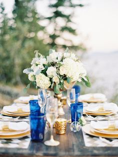 blue and gold wedding ideas