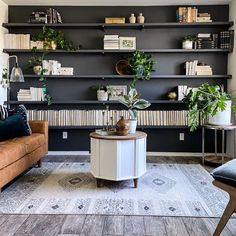 Accent Walls In Living Room, Home Living Room, Living Room Decor, Tv Decor, Home Decor, Decor Ideas, Wall Bookshelves, Bookcase, Fireplace Wall