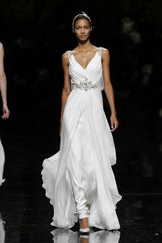 UCLES - Pronovias 2013 Bridal Collection, via Flickr.