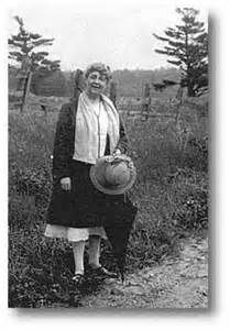 Later years, Lucy Maud Montgomery Canadian author of Anne of Green Gables and many other books Emily Of New Moon, Lm Montgomery, Evelyn Nesbit, Crooked House, Prince Edward Island, Anne Of Green Gables, Dream Vacations, Vintage Photos, Storytelling