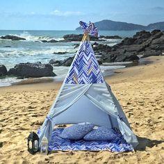 Tenda e tapete chevron azul