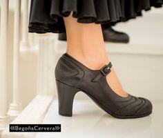 Flamenco Shoes, Dance Shoes, Spanish Fashion, Fashion Outfits, Womens Fashion, Dance Wear, Barefoot, Shoe Boots, Peep Toe