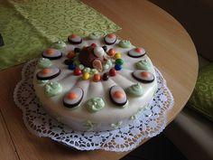 Karottenkuchen, Rüblikuchen oder Möhrenkuchen, ein raffiniertes Rezept aus der Kategorie Backen. Bewertungen: 412. Durchschnitt: Ø 4,7.
