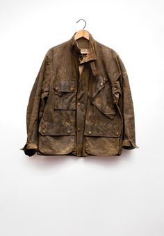 WWII British Army motorcycle jacket by Barbour. Vintage Leather Jacket, Leather Men, Waxed Cotton Jacket, Mens Fur, Wax Jackets, Gents Fashion, Field Jacket, Gentleman Style, Stylish Men