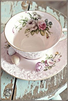 Love this teacup.  Makes me think of Grandma Bodine.  Wish I could have had a tea party with her before she passed away.