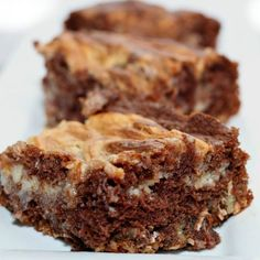 You will love this easy German Chocolate Cake Cheesecake Bars Recipe! Cheesecake and German chocolate make a tasty dessert. Try this easy dessert. Easy Cookie Recipes, Fudge Recipes, Chocolate Recipes, Easy Desserts, Dessert Recipes, Easy German Chocolate Cake, Chocolate Cake From Scratch, Cheesecake Bars, Cheesecake Recipes