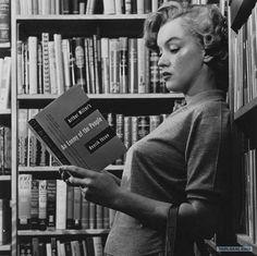 marilyn monroe reading - Google 検索
