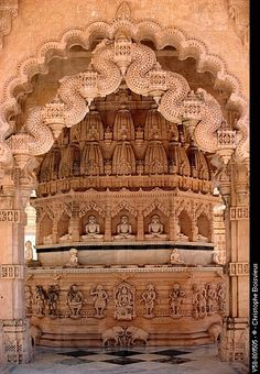 Palitana, Gujarat, India ❁✦⊱❊⊰✦❁ ڿ… Indian Temple Architecture, India Architecture, Ancient Architecture, Amazing Architecture, Gothic Architecture, Jain Temple, Amazing India, Temple Design, Beautiful Buildings