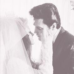 Elvis and Priscilla Presley Wedding Day. How handsome Elvis was as gorgeous as his bride Cilla!