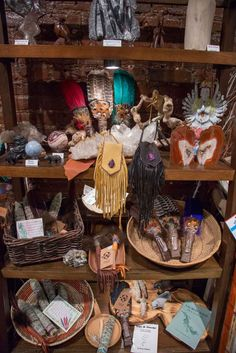 These New York City shops were made for getting in touch with your mystical side. Dragons Blood Incense, Witch Store, Metaphysical Store, Asian History, British History, Strange History, History Facts, Age Of Aquarius, Crystals