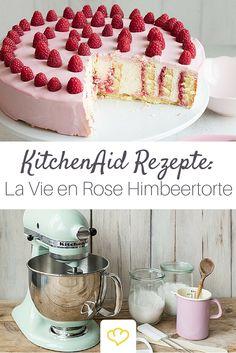 Diesem Tortentraum in Rosa kann wirklich niemand widerstehen. Und sollte er auch nicht, denn die sahnig-cremige Torte mit süßen Himbeeren ist einfach zu gut! Und mit der KitchenAid viel einfacher gemacht, als ihr vielleicht glaubt! :)