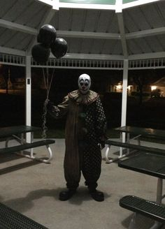 Sightings in South Carolina are spooking children and adults. How do clowns —…