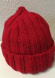 Käsillä tekemisen pakko: Jacques Cousteau pipo ja ohje Diy Projects To Try, Beanie Hats, Knitting Projects, Handicraft, Knitted Hats, Diy And Crafts, Womens Fashion, Craft, Arts And Crafts